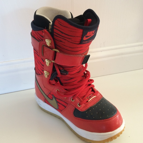 906af8e79b Nike zoom force 1 red snowboard boots rare. M 567eed756a58301e5b0042bb