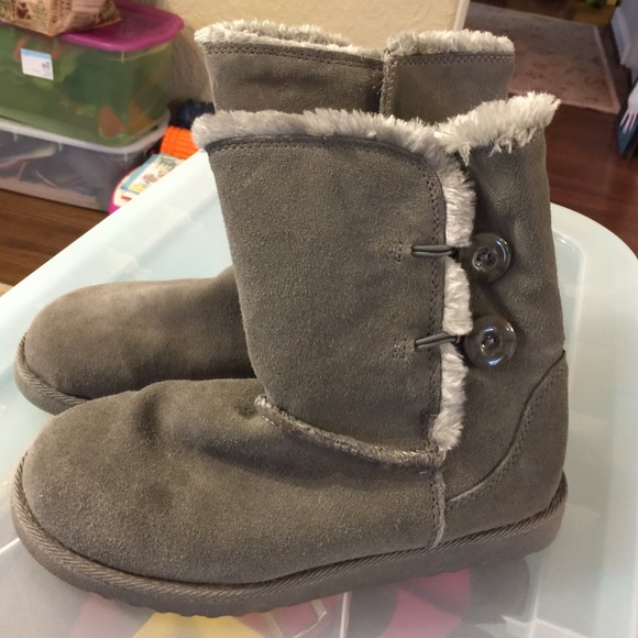 cffd562f00f Fuzzy gray ankle boots - not UGGS but Target brand