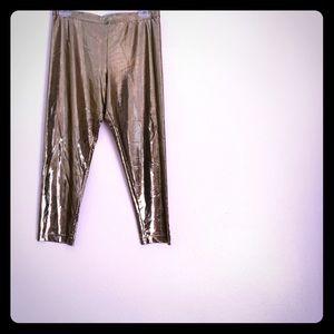 Karen Kane Pants - Karen kane gold metallic Capri, women size M