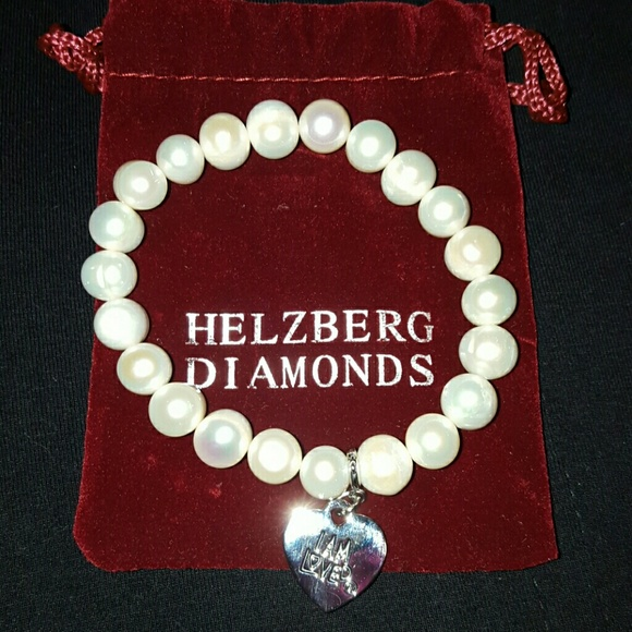 Sell Helzberg Jewelry. Since its inception in , Helzberg Diamonds has catered to a variety of customers with its wide array of jewelry. Selling your Helzberg jewelry through WP Diamonds is an easy, secure process.