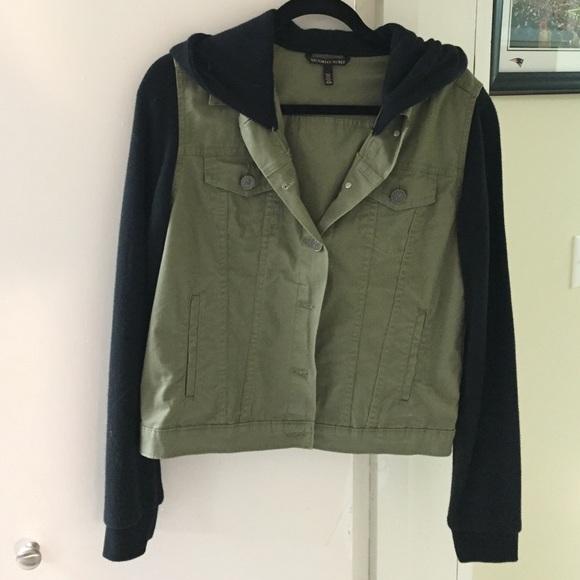 Victoria's Secret - Victoria's Secret green and black buttoned ...