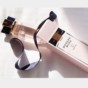 Estee Lauder Other - Estee Lauder Modern Muse Eau de Parfum (3.4 fl oz)