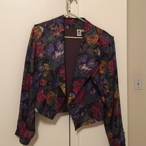 Jackets & Blazers - Floral blazer with shoulder pads