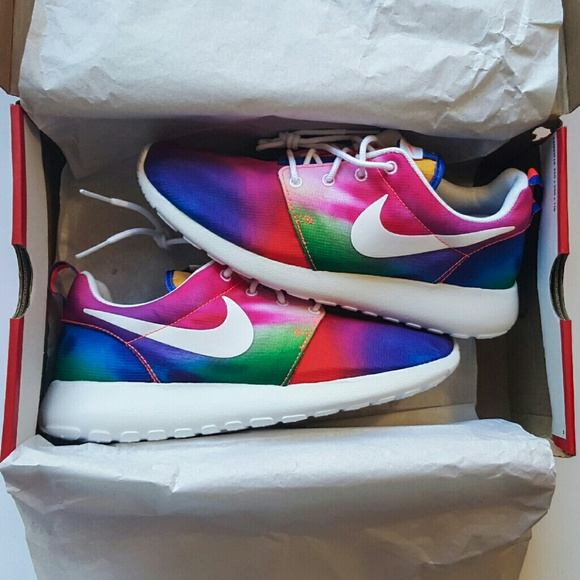 check out b7d41 dc826 Nike Roshe Run Tie Dye Rainbow.