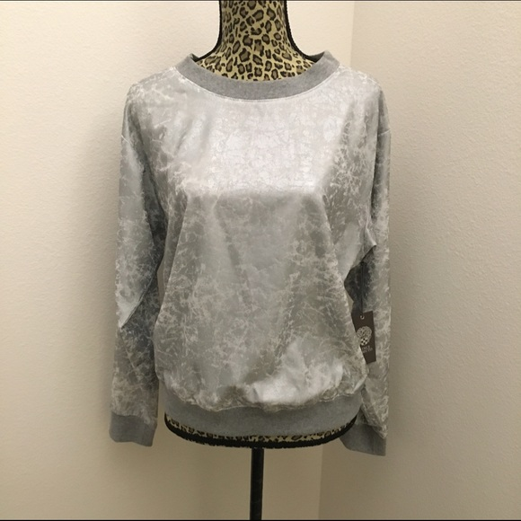 Vince Camuto Tops - New Vince Camuto Foil print Woven Sweatshirt