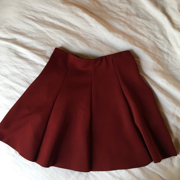 4d349401 Zara red skater skirt