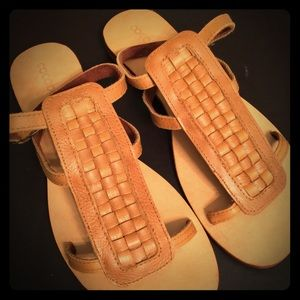 Cocobelle Shoes - 💥✨FLASH SALE✨💥COCOBELLE NATURAL FLAT SANDALS