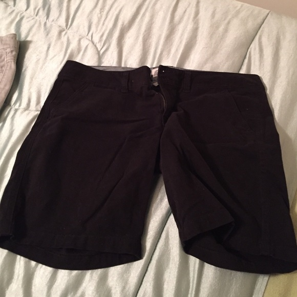 American Eagle Outfitters Pants - Longer black shorts from AE