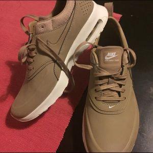 Nike Shoes - Nike air max Theas camo