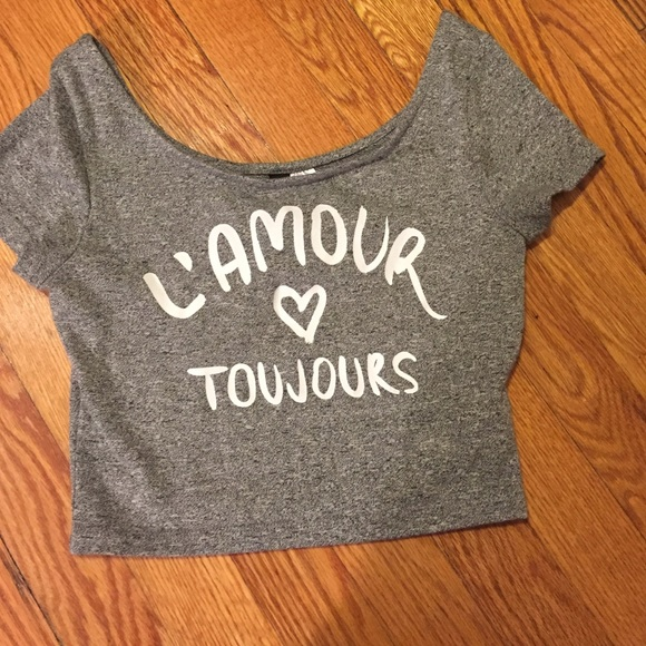 e90a4dd1373f47 H M Tops - H M Divided crop top t-shirt L amour Toujours