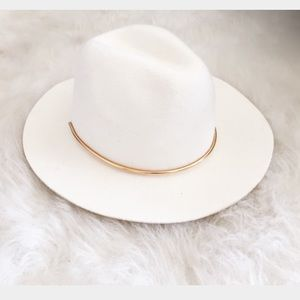 H M Accessories - White felt fedora with gold band dffd6bd391a