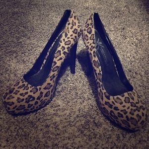 Kardashian Kollection Cheetah Print Pumps