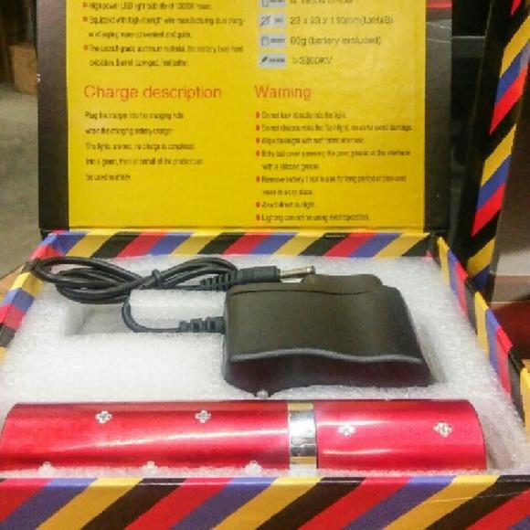 Accessories - Self Defense flashlight Faux Lipstick