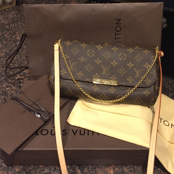 9dfbd20f7d6 Louis Vuitton Handbags - Louis Vuitton Favorite MM monogram