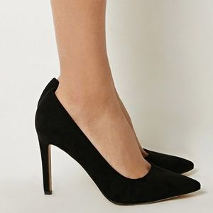 Shoes - Black Pointed Heels