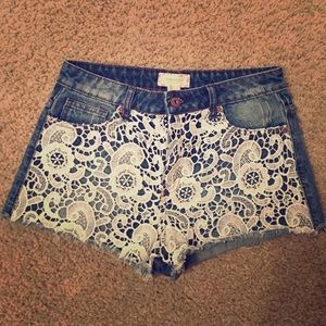 MOVING SALE NWOT Forever 21 lace jean shorts.