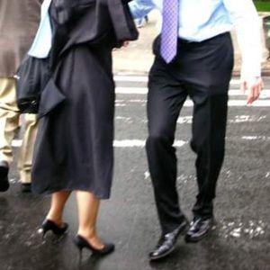 Isaac Mizrahi 7.5 women's black heels