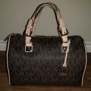 7d5a750468c92d Michael Kors Bags - Michael Kors grayson large satchel