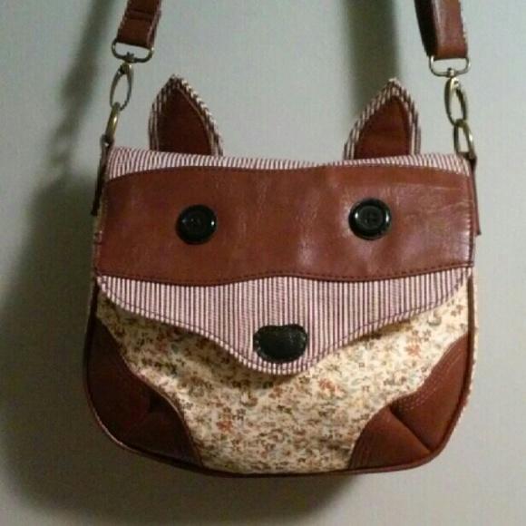13a9e661517 Like new fox purse