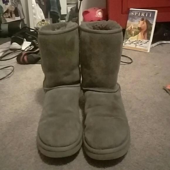 UGG women's classic short gray boots