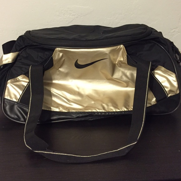 6b845f83312 Gold Nike Sports Duffle Gym Bag. M 568204cbc6c795fbef00dc9e