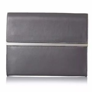 Maison Martin Margiela Handbags - 🌼HP🌼 MAISON MARTIN MARGIELA Gray Leather Clutch