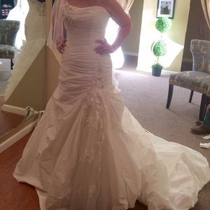 Maggie Soterro Wedding Gown