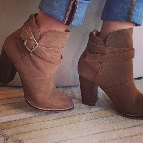 595597a7e3 Chinese Laundry Shoes - Chinese Laundry Zip It suede ankle boot