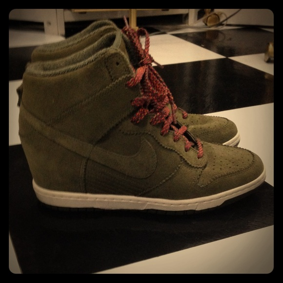 nike sky high dunks olive