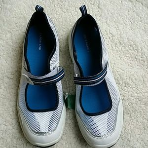 Lands End Mary Jane Water Shoes