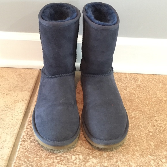 Navy Blue Uggs Size 6