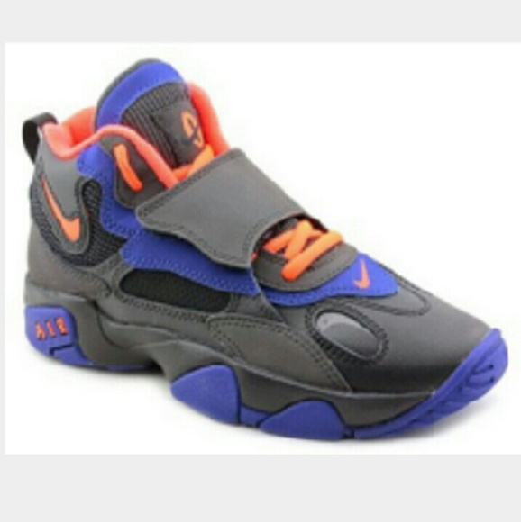 Nike Air Speed Turf Boys Basketball Shoes