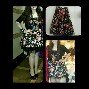 poetry clothing Dresses & Skirts - Most beautiful floral black ruffle minidress sz S