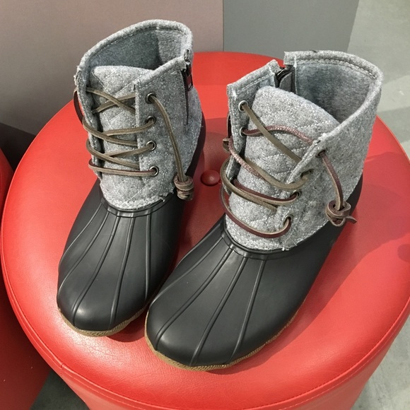 1697ed67c52 Steve Madden Duck Boots