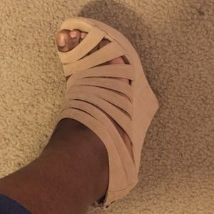 Shoes - Tan Wedge