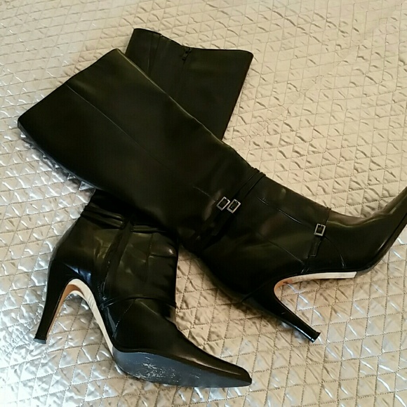 faconnable made in italy black heel boots 8 5 from lis s