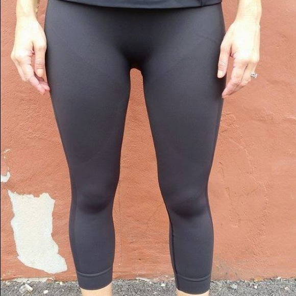 fcf2d9f121410f lululemon athletica Pants | Nwt Lululemon Zone In Crop Black | Poshmark