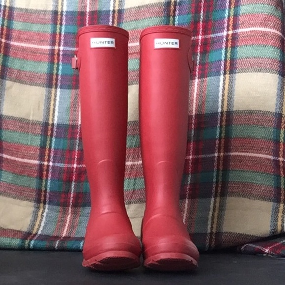 35% off Hunter Shoes - Red Matte Hunter Boots Rain Boots Size 5 6 ...