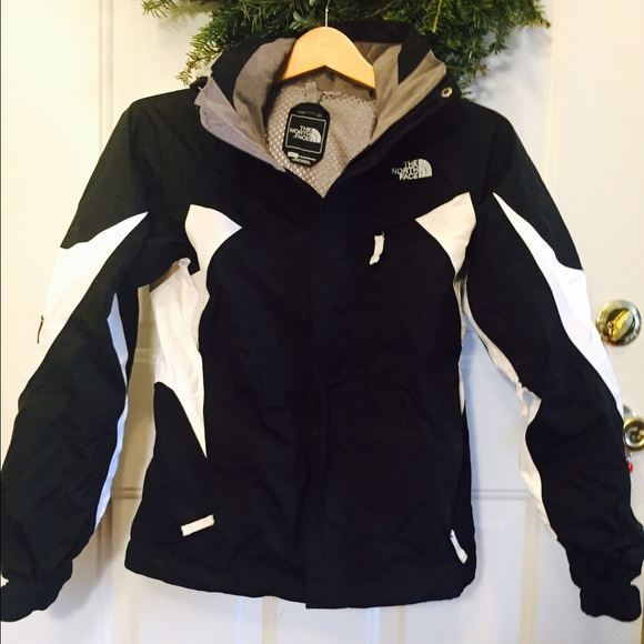 North Face Women s Black and White Ski Jacket XS. M 5684198a87dea02ef60368b5 003c07d39