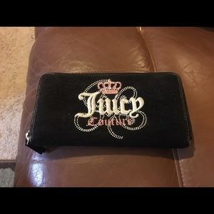 Juicy couture wallet.. Used