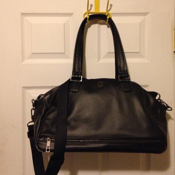lululemon athletica Handbags - Leather lulu lemon workout weekend bag cbdb99ddc1ddb