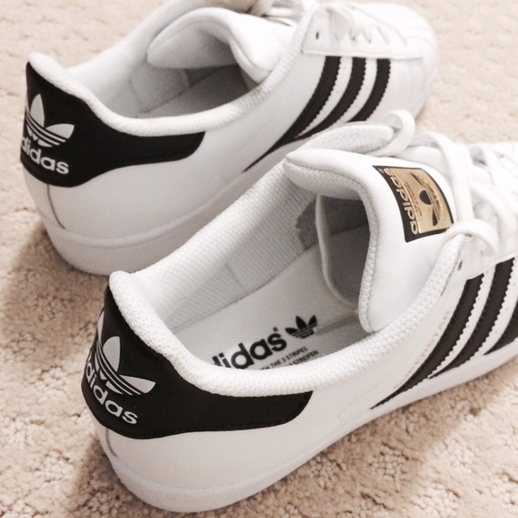 ✨RARE✨ Adidas Originals Women's Superstar Size 8