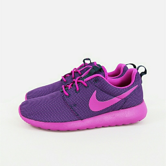 pink and purple nike roshes