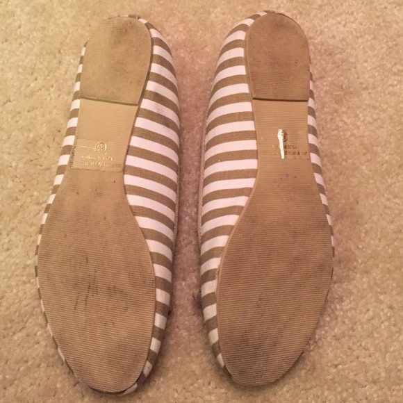 80 soda shoes stopped and white soda flats from