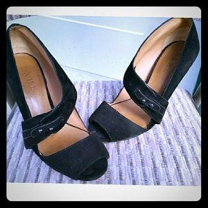 L.A.M.B Sz 8 Black Suede Heel