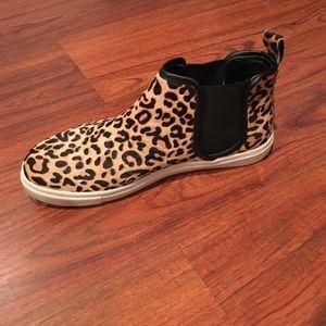 0780eaeb07b Steve Madden Shoes - Steve Madden Calf Hair Leopard High Top Sneaker 8