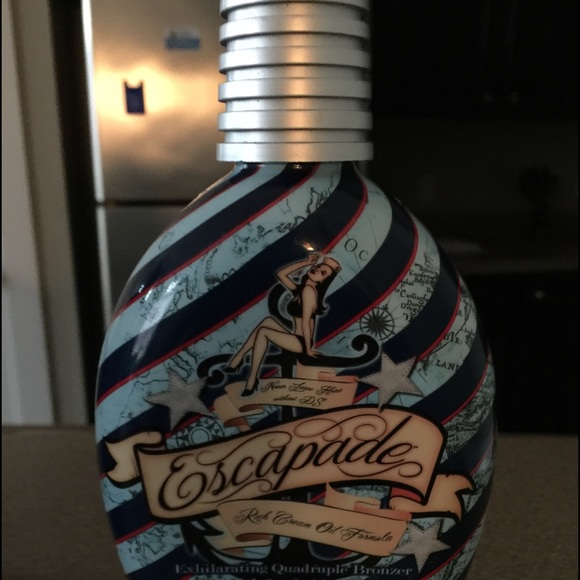Designer Skin Accessories Escapades Tanning Lotion From Sun Tan