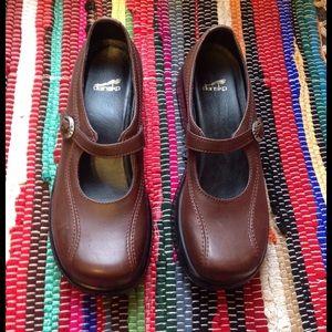 Dansko Shoes - Dansko Brown Mary Jane Clogs Shoes 39 Leather