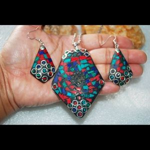 Molded Multi Stones Set of Pendant & Earrings