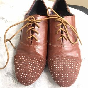 Bamboo Shoes - Like NEW brown studded toe oxfords